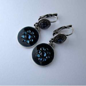 petites boucles d 39 orreilles discr tes bleu nuit bijou. Black Bedroom Furniture Sets. Home Design Ideas